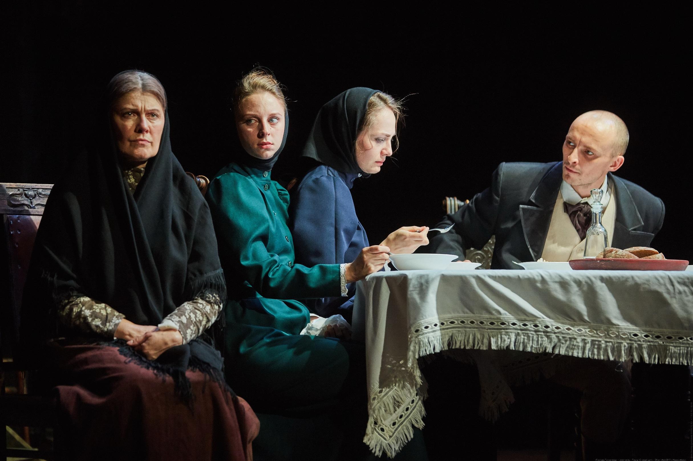 Театр «Старый дом» представил спектакль «ГОЛОВЛЁВЫ» на театральном фестивале им. В.С. Золотухина
