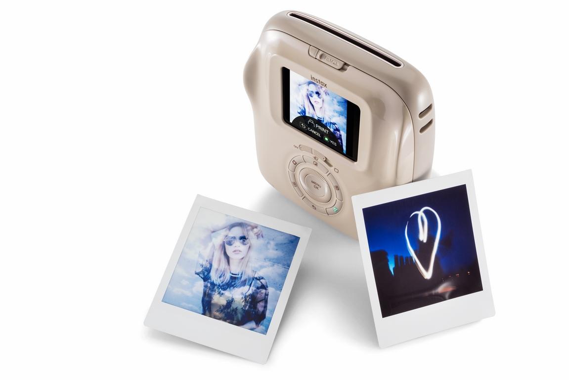 FUJIFILM представила новую гибридную камеру моментальной печати