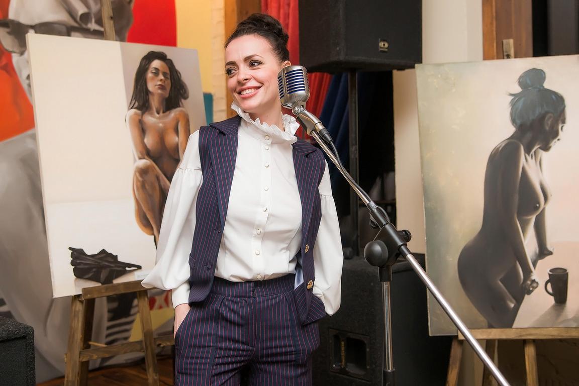 Открытие выставки автопортретов Анастасии Отришко «Люби себя»