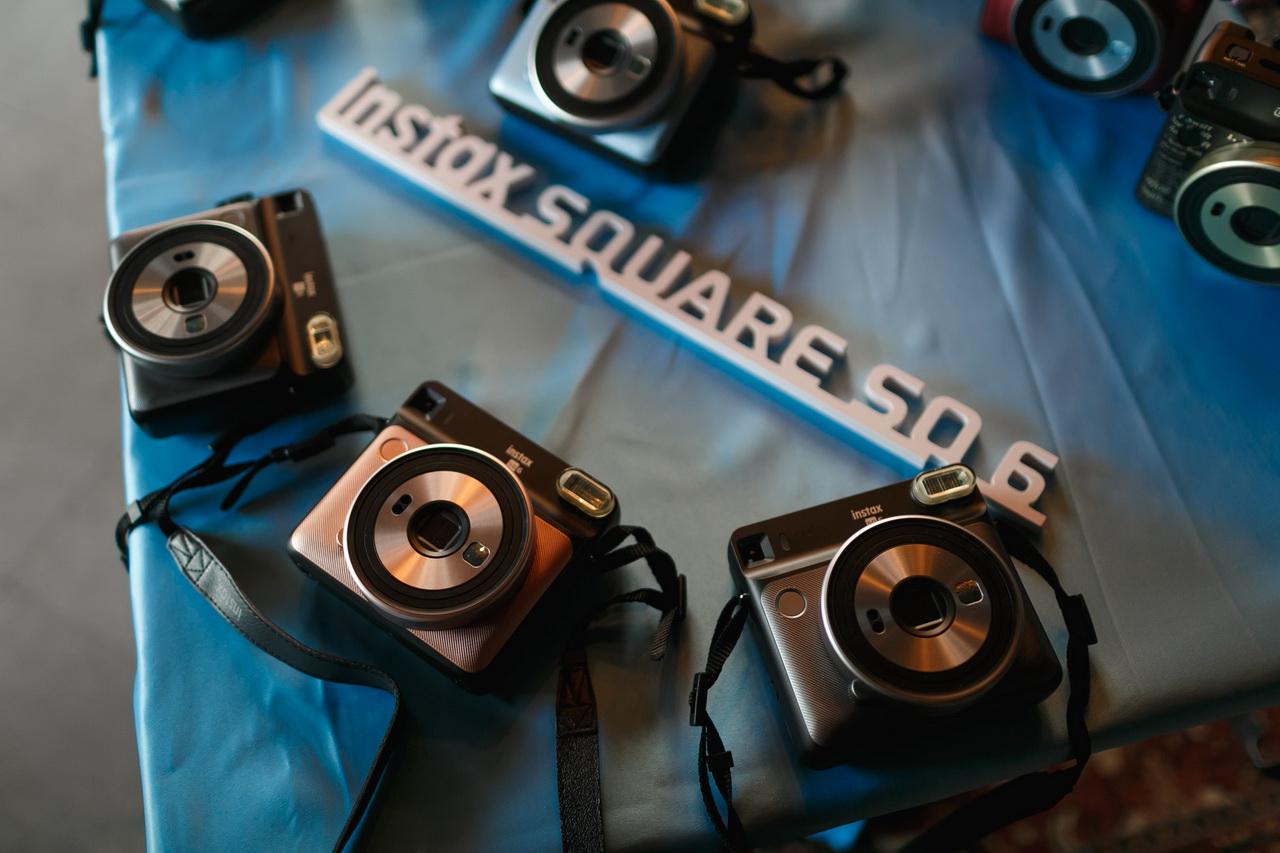 Instax Square Perfection — ярко, дерзко, квадратно
