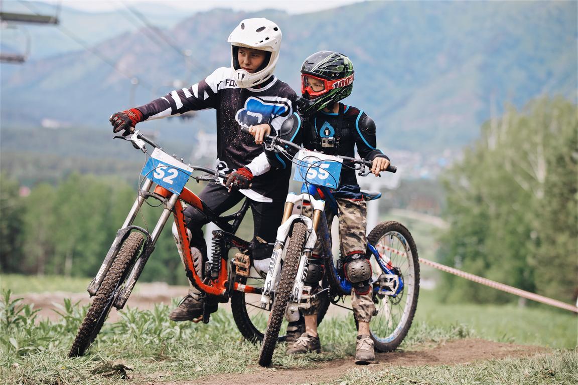 8-9 июня на всесезонном курорте «Манжерок» прошёл «Манжерок-n-roll Bike Fest»