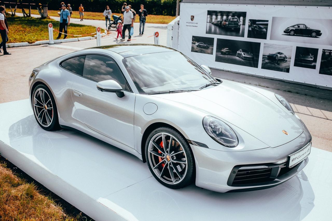 Презентация нового Porsche 911 на Конных бегах Кубка Губернатора НСО