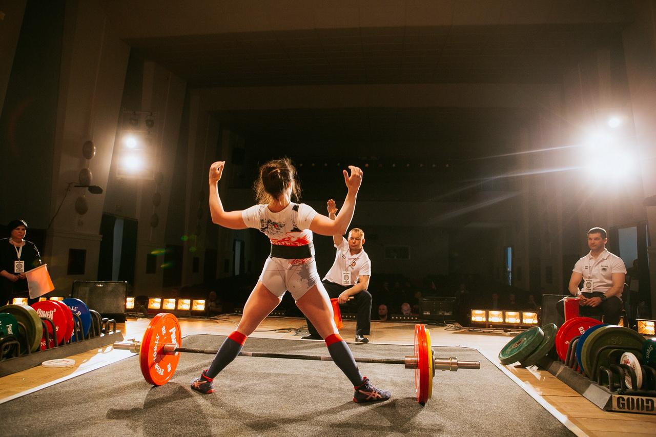 Сильнейшие мужчины и женщины выступят на турнире по пауэрлифтингу «Стальной медведь»