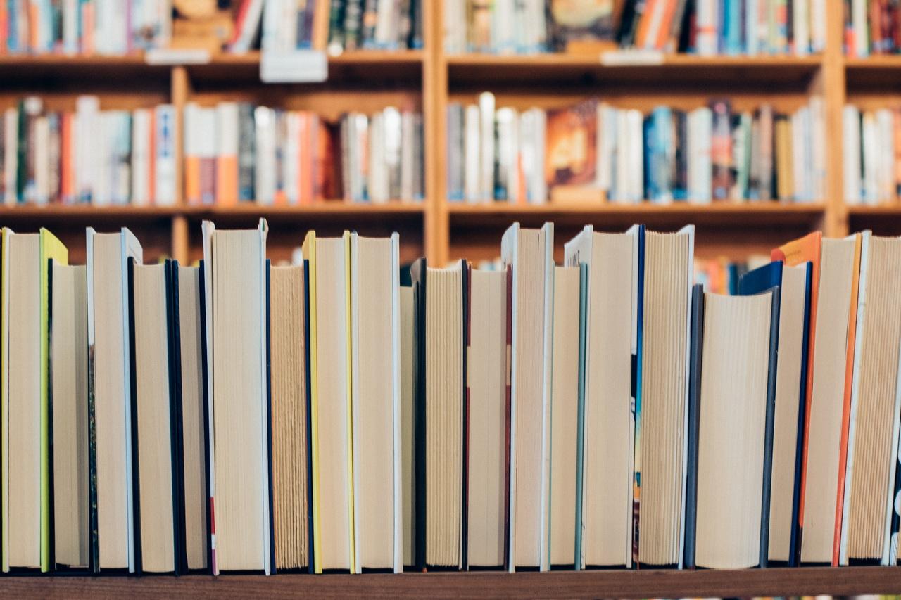 Какие книги покупают новосибирцы чаще всего