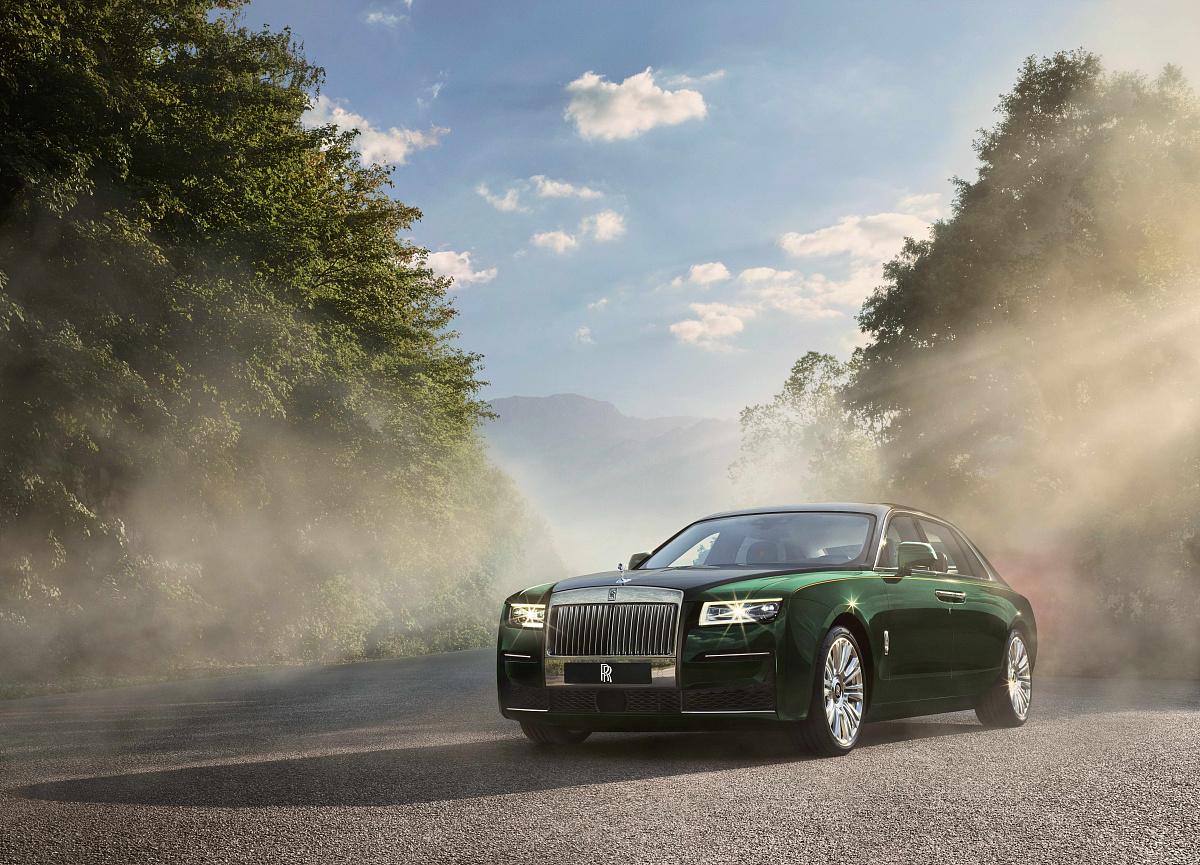 Rolls-Royce представляет длиннобазную версию нового Ghost