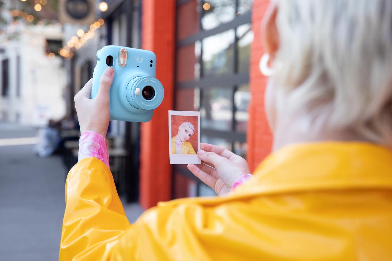 Культовая камера моментальной печати Instax в новом исполнении