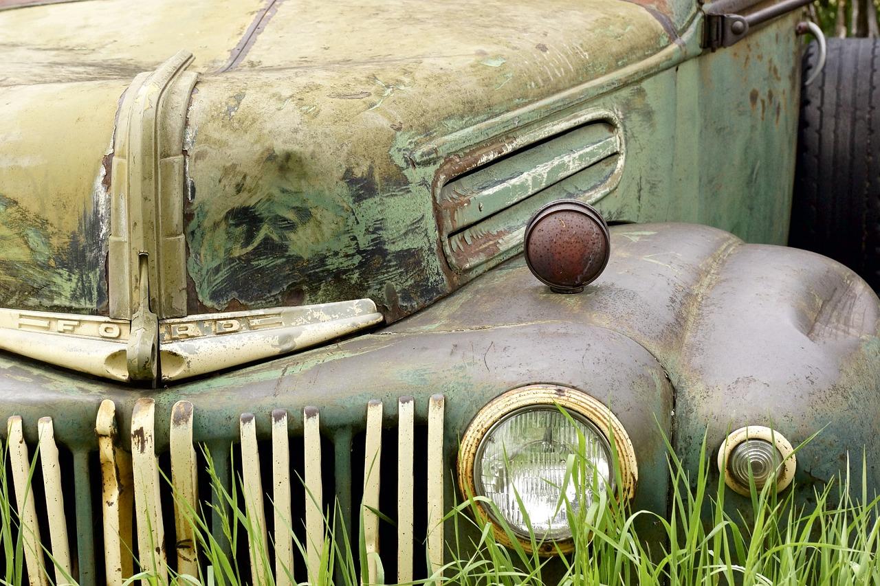 Новосибирские автомобилисты считают, что машину с пробегом более ста тысяч километров надо менять